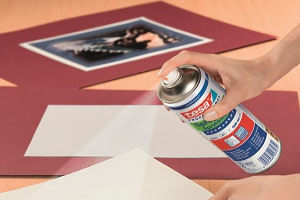 Example of application : spraying of adhesive on paper